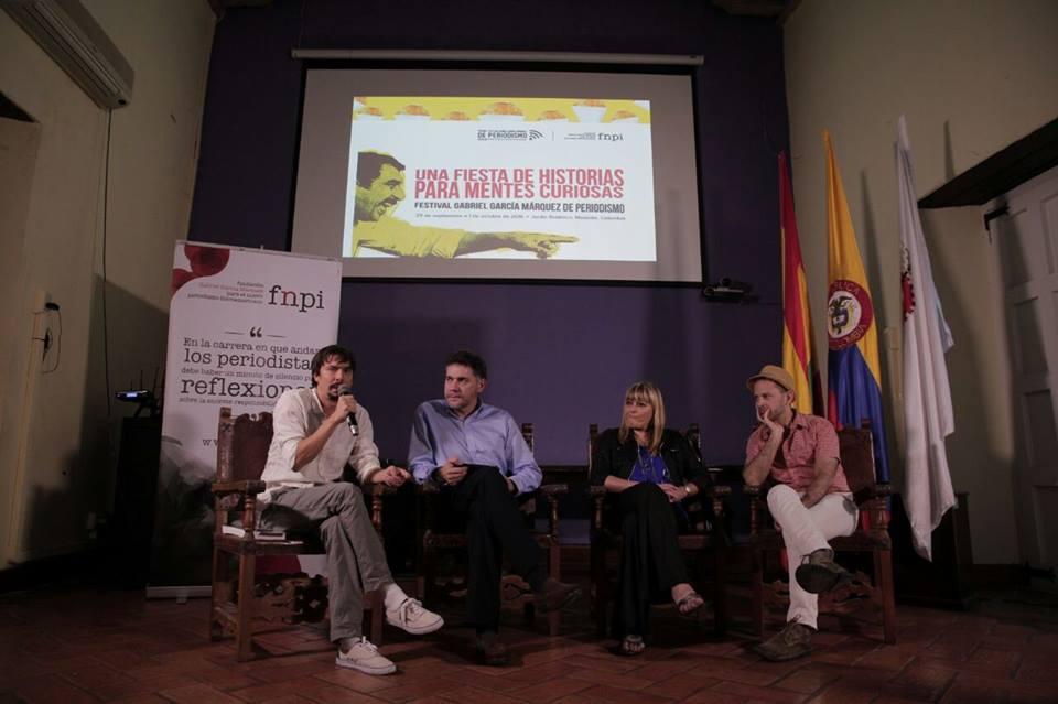 """Imagen de la charla """"Formas diversas de echar el cuento: periodismo e innovación"""""""